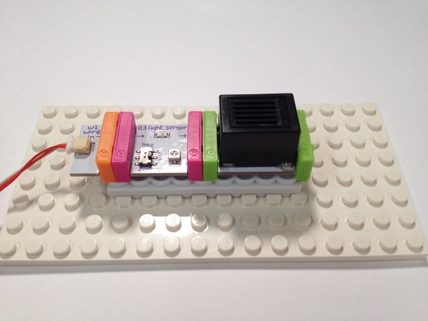 connecting-circut-to-lego3