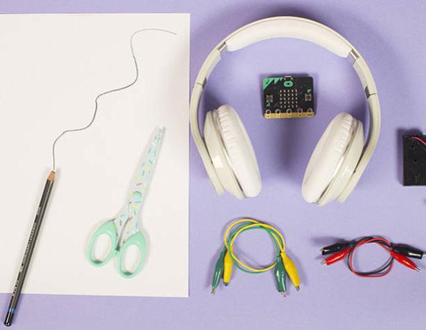 MICRO GRAPHITE 303 - музичний синтезатор з Micro:bit - набір для складання