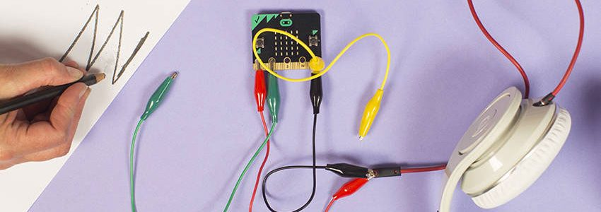 MICRO GRAPHITE 303 - музичний синтезатор з Micro:bit