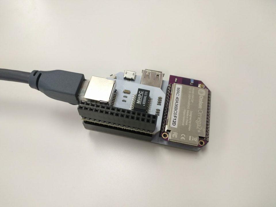 Wi-Fi маршрутизатор з Omega2+